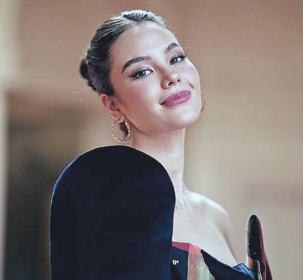 Si Miss Universe Catriona Gray ay naghahatid ng pangako na binitiw niya sa panahon ng beauty pageant kasama ang 'RYF' INSTAGRAM PHOTO