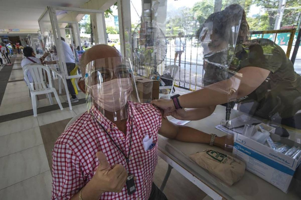 Lacson presses call for vaccine passport system