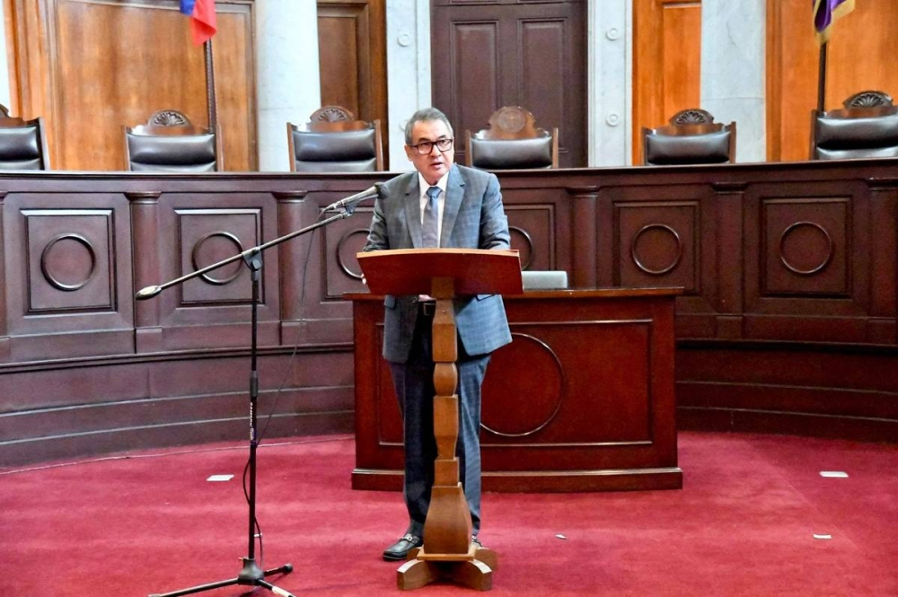 Chief Justice Gesmundo challenges the IBP to refocus its advocacy and help restore the people's trust in the judicial system by raising the people's awareness and understanding of the Philippine legal system.
