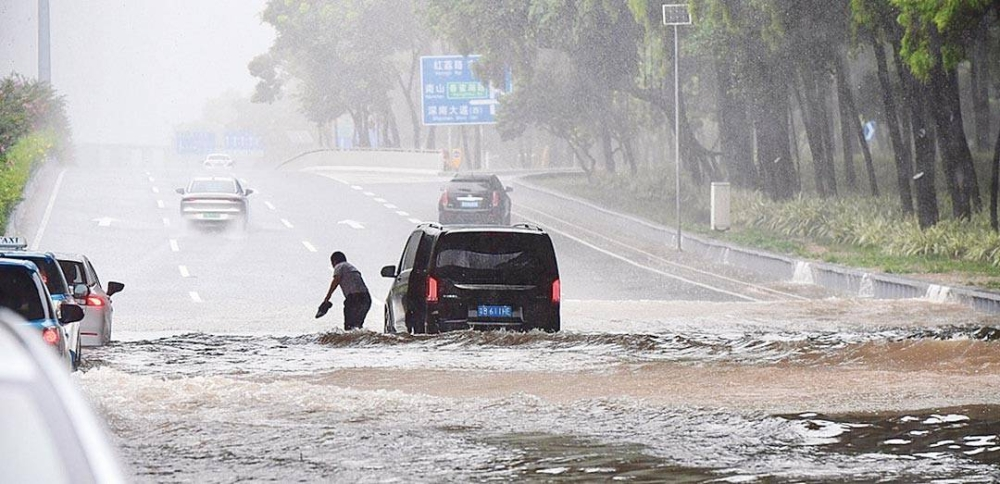 WHEN IT RAINS, IT POURS Heavy rainfall hits Shenzhen, South China's Guangdong Province on July 20, 2021. China reported on July 21, 2021 that its far-flung province of Henan has experienced heaviest rainfall in 60 years last July 20, 2021. GLOBAL TIMES PHOTO