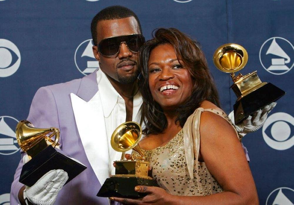 Kanye West y su difunta madre Donda AP FOTO