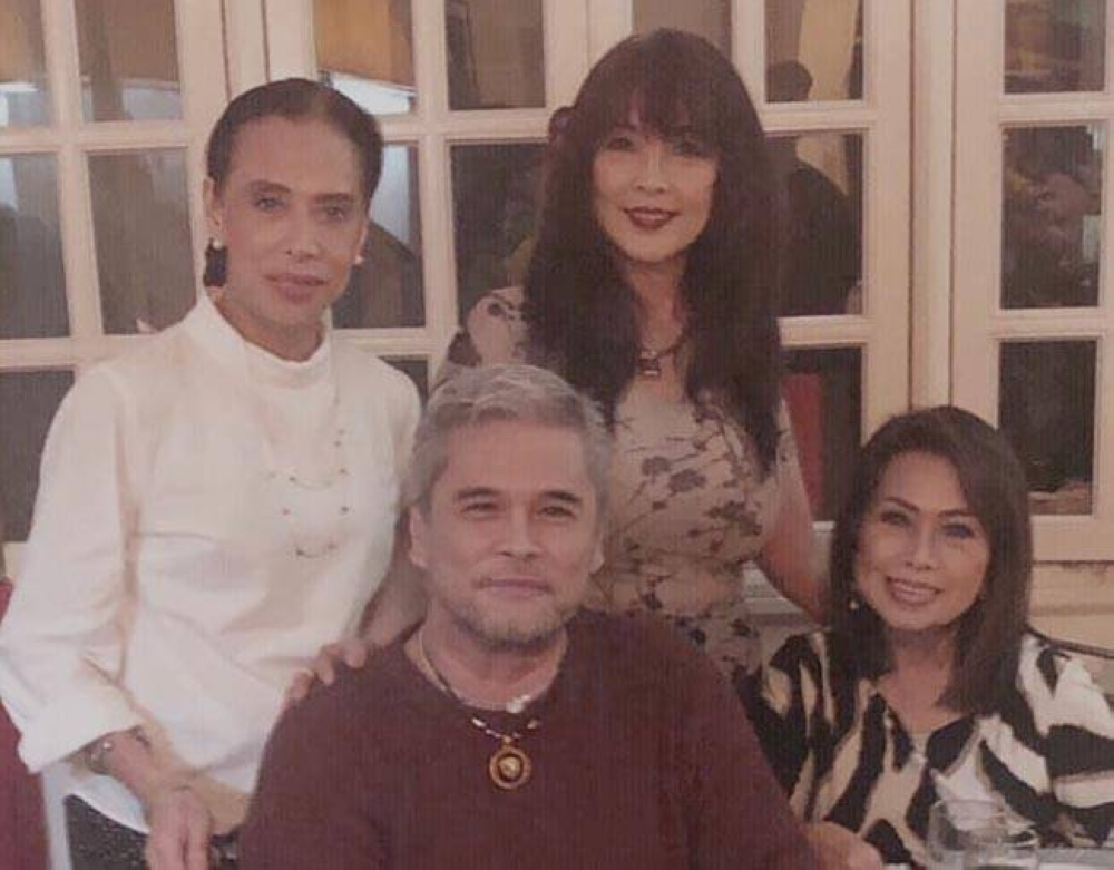 (Seated) Cocoy Cordoba and Tess Castro with Leah Miranda and Shazy Wilkie