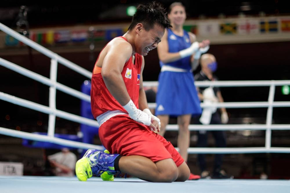 Petecio advances to gold medal fight in Tokyo Olympics thumbnail