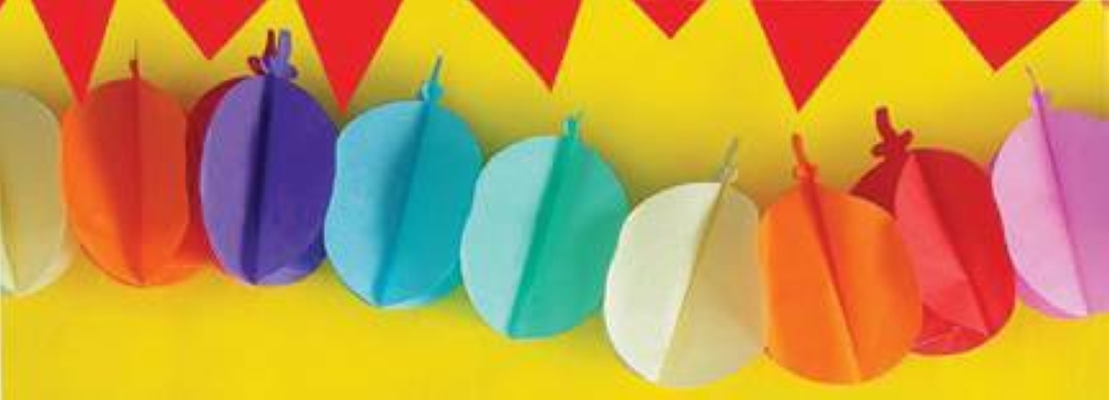 Spruce up a colorful balloon-shaped garland for your Arts and Crafts Party.