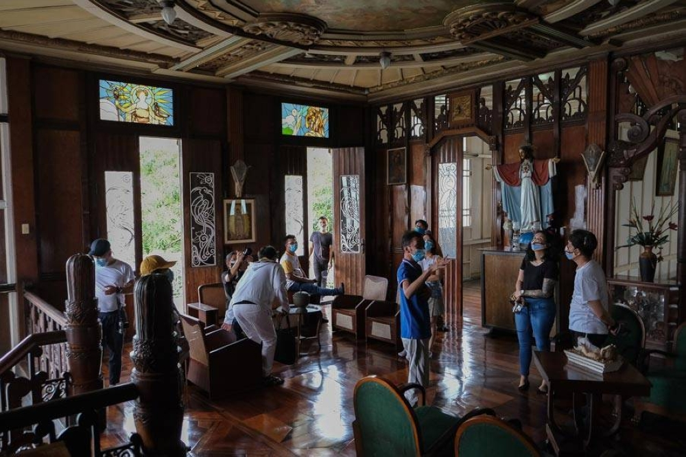 As part of the cultural heritage tour, the team visited the Santos Mansion known for its classical art deco architecture.
