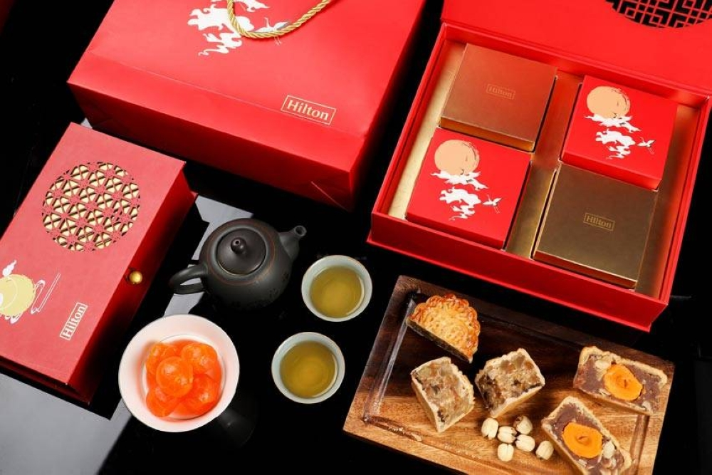 This year's mooncake box design pays homage to the core symbols of Chinese heritage.