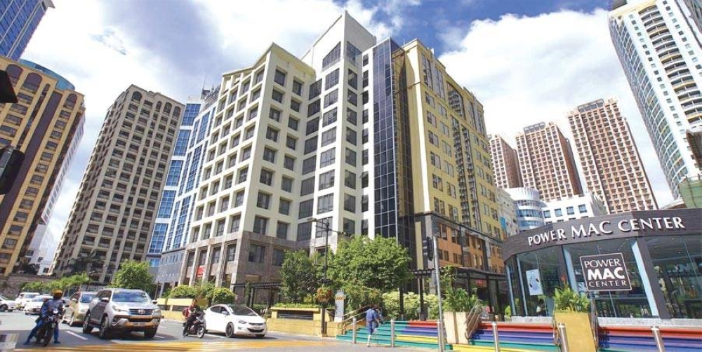 Megaworld's contributions in helping economic segments grow, such as in the case of Eastwood City's being a catalyst for the rise of the Philippine information technology and business process outsourcing sectors, did not go unnoticed by investors.