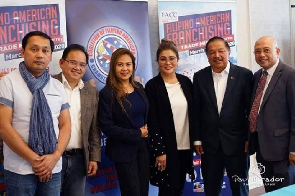 First from L is CFO AFD Dir. Mario Garcia, beside him Atty. Eugene Mendoza. Sec. Francisco Acosta flanked on his right by Ms. Ellen Samson of FACC and Mr. Gerry Palon on his left