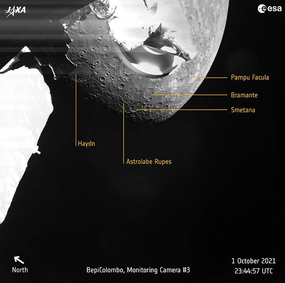 Isang handout na larawan na ginawang magagamit ng European Space Agency noong Oktubre 2, 2021 ay nagpapakita ng isang pagtingin sa Mercury na nakunan noong Oktubre 1, 2021 ng pinagsamang misyon ng European-Japanese BepiColombo habang ang spacecraft ay lumipad sa planeta para sa isang maneuver na tulong sa gravity.  Ang AFP PHOTO / EUROPEAN SPACE AGENCY