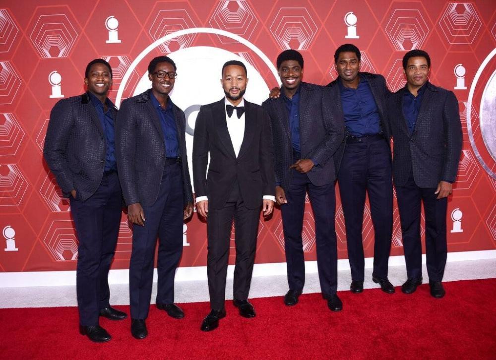 Jelani Remy, Matt Manuel, John Legend, Jawan M. Jackson, Nik Walker at James Harkness sa ika-74 na taunang Tony Awards noong Setyembre.  AP LARAWAN