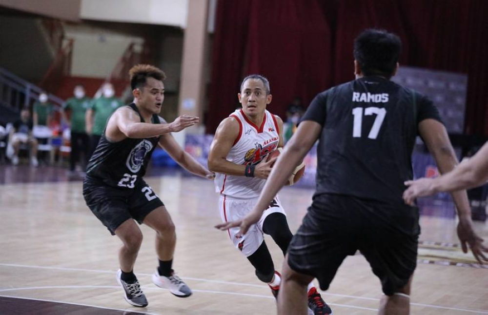 Veteran guard JVee Casio will provide stability in the backcourt of the rebuilding Blackwater team.