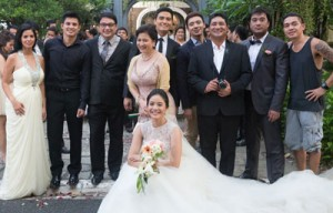 Behind the scene with director GB Sampedro (rightmost) and the cast of 'Separados' (from left) Patricia Javier, Jason Abalos, Ricky Davao, Alfred Vargas, Melissa Mendez, Erik Santos, Anjo Yllana, Victor Neri and Ritz Azul (seated)